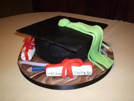 mortarboard-cake